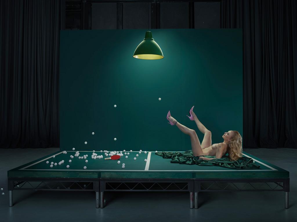Маус, девушка в пинг-понге.
