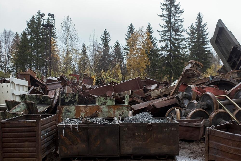 По подсчетам Маркелова, каждый месяц они производят около 300 тонн гантелей и 2000 силовых тренажеро