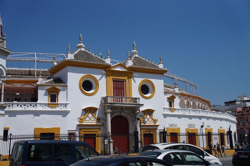 арена для корриды в Севилье