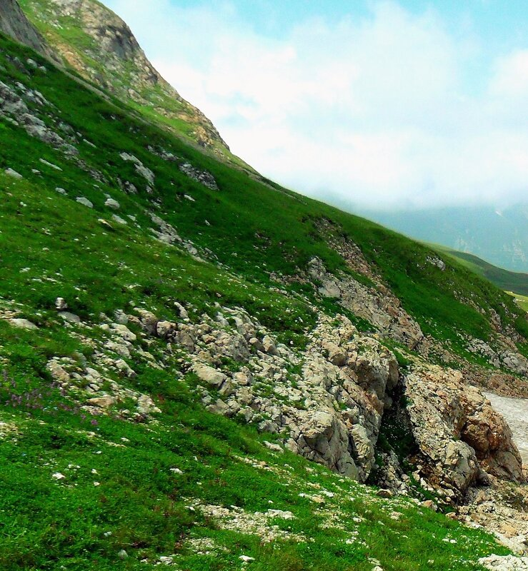 В горах, июль