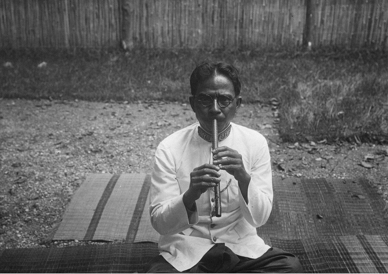Камбоджа. Флейта кхлой