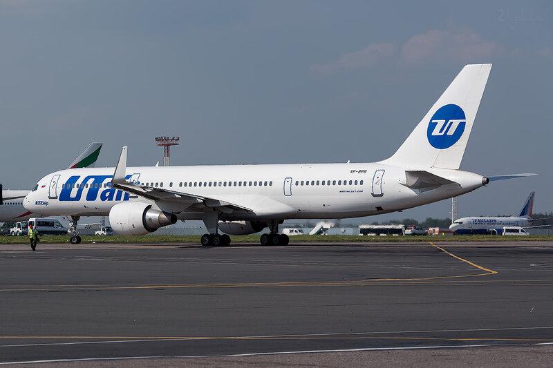 Boeing 757-231 (VP-BPB) Ютэйр D801653