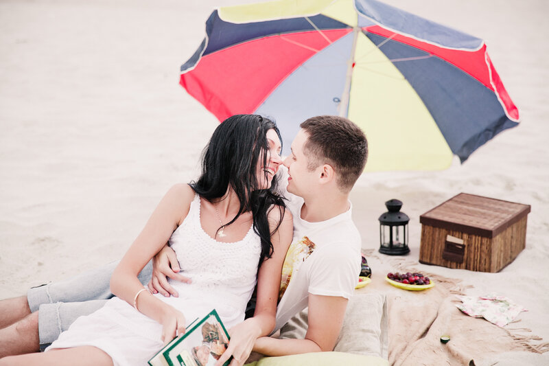 beach engagement photosession