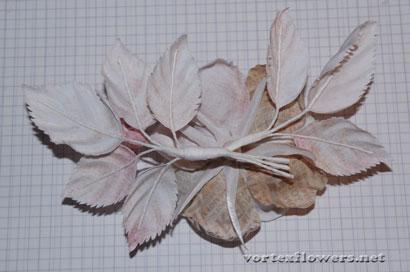 Роза из атласной ткани с бутоном по книге Козинкиной.