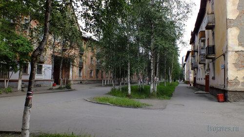 Фото города Инта №5404  Полярная 12 и 15 02.08.2013_13:14
