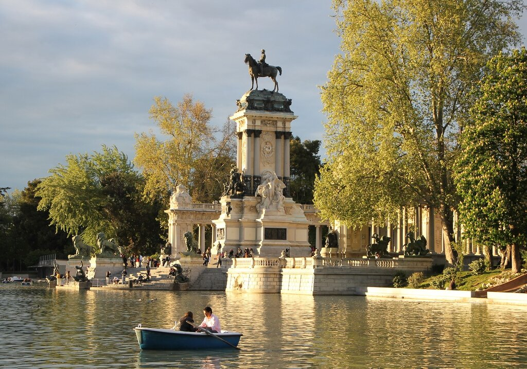 Мадрид. Парк Буэн-Ретиро. Вечер на Большом пруду (Estanque Grande del Retiro)