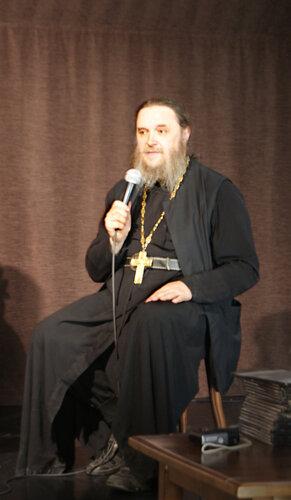 Отец Геннадий Беловолов