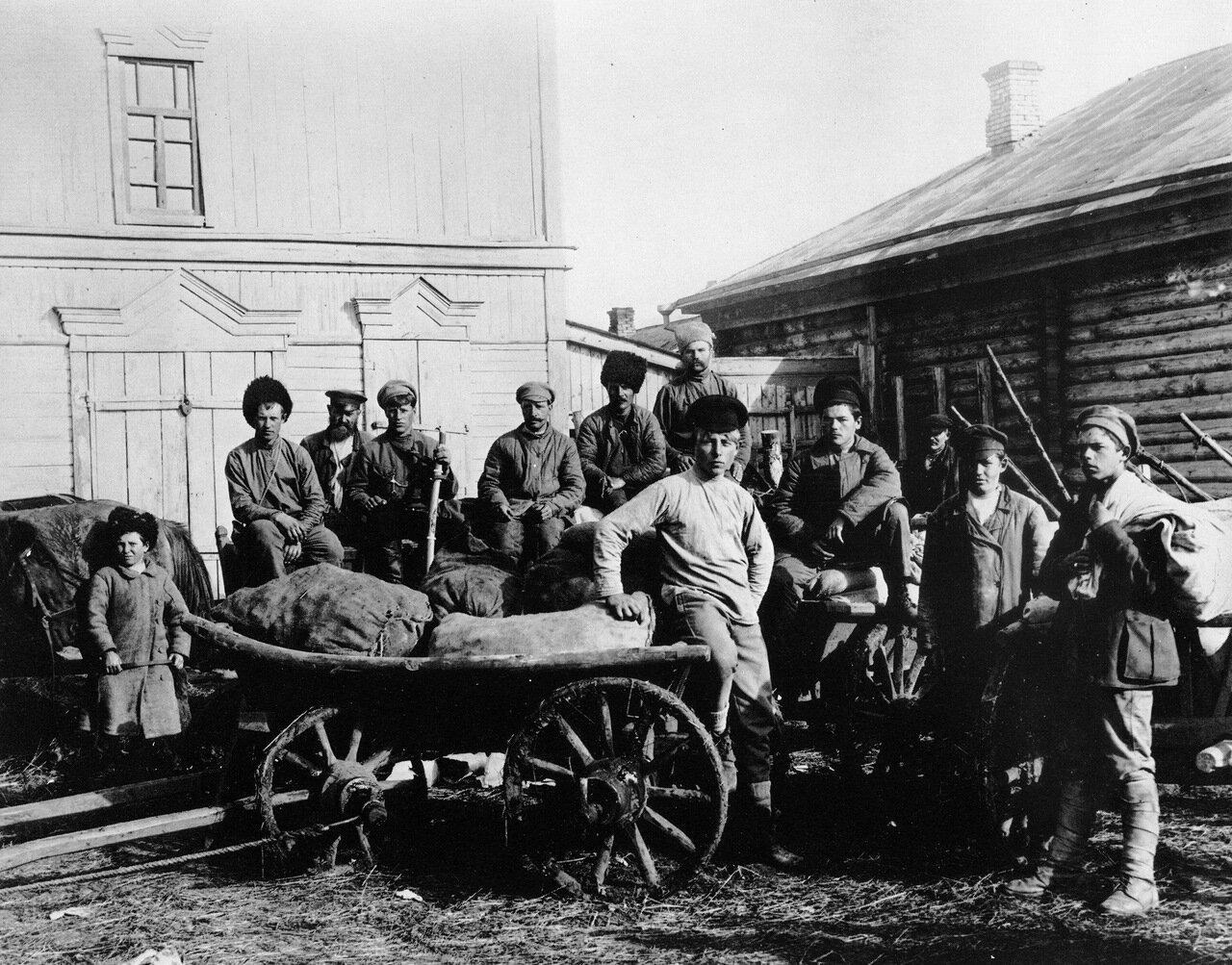1920. Продовольствие доставленное самарскими рабочими и крестьянами для 1-го Советского батальона.