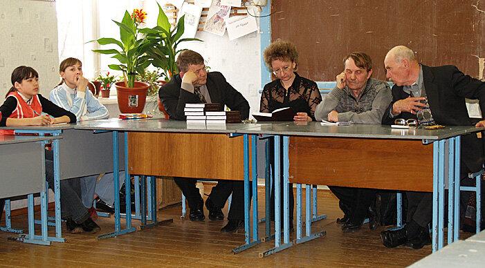 14. На встрече в Холмской школе (26 апреля 2007 года).JPG