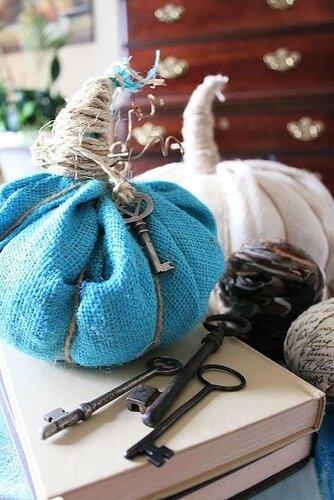 тыквы винтажные, Красивые текстильные тыквы: мастер-классы и идеи, Hallows' Eve, All Saints' Eve, на Хэллоуин, тыквы, тыквы текстильные, тыквы из ткани, тыквы для интерьера, тыквы текстильные, тыквы на Хэллоуин, тыквы своими руками, своими руками, интерьерный декор, декор на Хэллоуин, мастер-классы, Хэллоуин, идеи текстильных тыкв, фотоидеи, праздничный декор, День Благодарения, Праздник урожая, украшение интерьера тыквами, Красивые текстильные тыквы: мастер-классы и идеи, http://prazdnichnymir.ru/,   тыквы из ткани на Хэллоуин своими руками