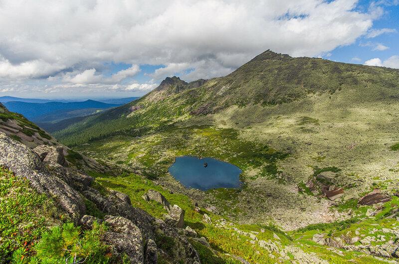 Вид на озеро с перевала