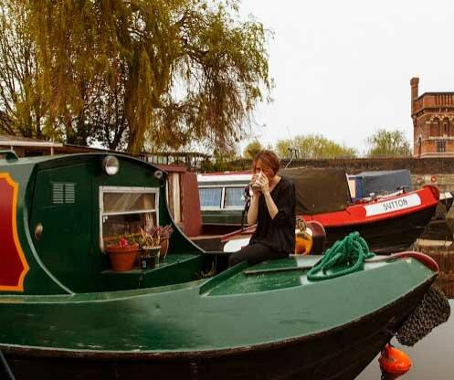 Дом на воде из лодки
