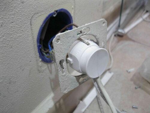 Фото 27. Проверка работоспособности новой вилки и отремонтированной проводки.