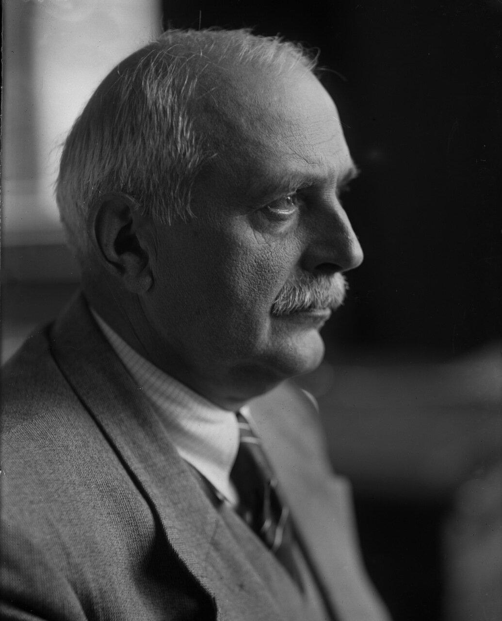 Веденеев Борис Евгеньевич (21 декабря 1885 (2 января 1884), Тифлис, — 29 сентября 1946, Москва) — русский и советский учёный, энергетик и гидротехник. Лауреат Сталинской премии первой степени (1943)