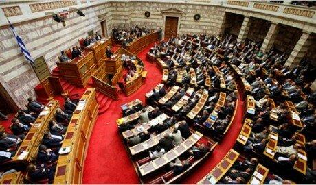 Греция впервые за много лет приняла бюджет с профицитом