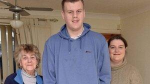 Британский подросток каждую неделю растет на 2,5 сантиметра