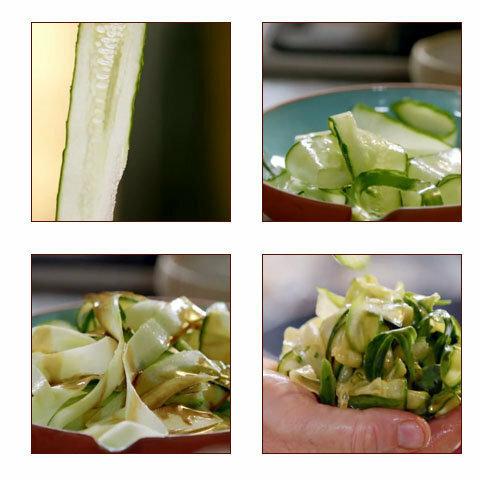 Куриные грудки готовятся салат из огурцов