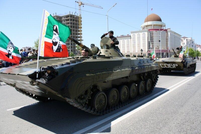 Армия с бронетехникой имени Кадырова