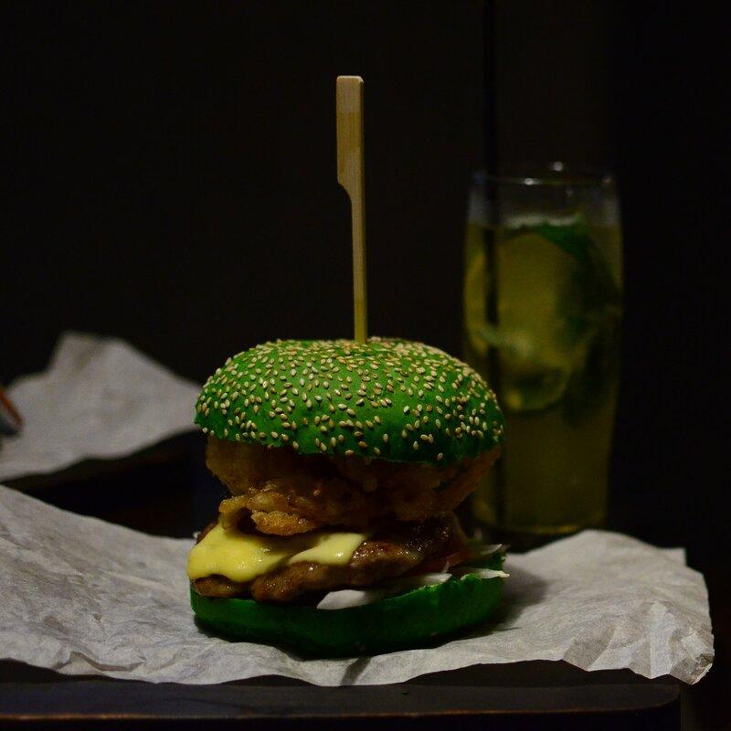 Зеленый ВарКрафтовый Бургер