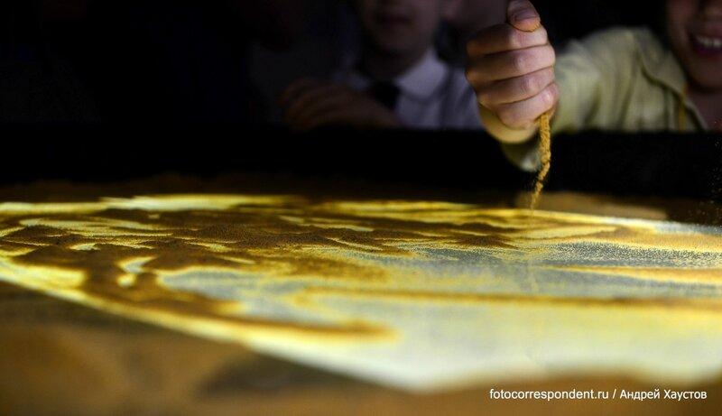 Песочная Империя: рисуем пальцами картины на песке!