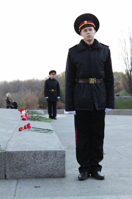 Почетный караул в парке Славы