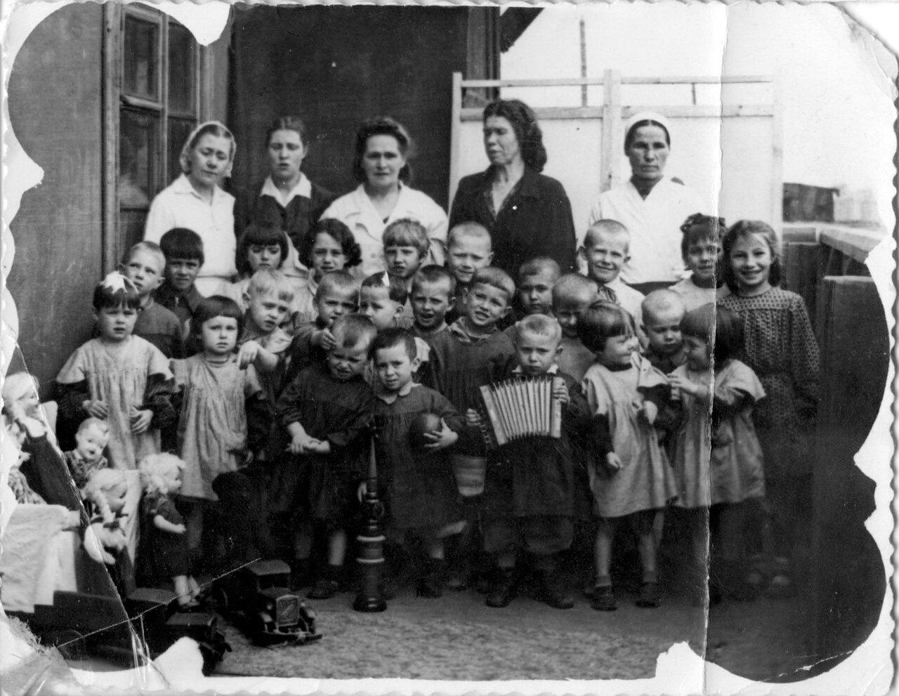 1950. Детский сад