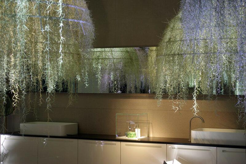 Интерьер ванной комнаты - тропический лес