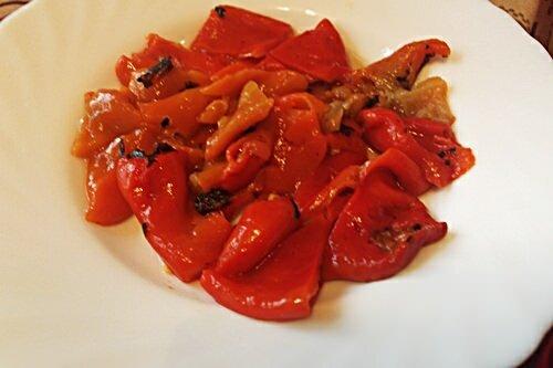 печеные болгарские перцы для салата из брынзы