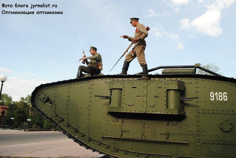 Луганске повторяется гражданская война 1919 года