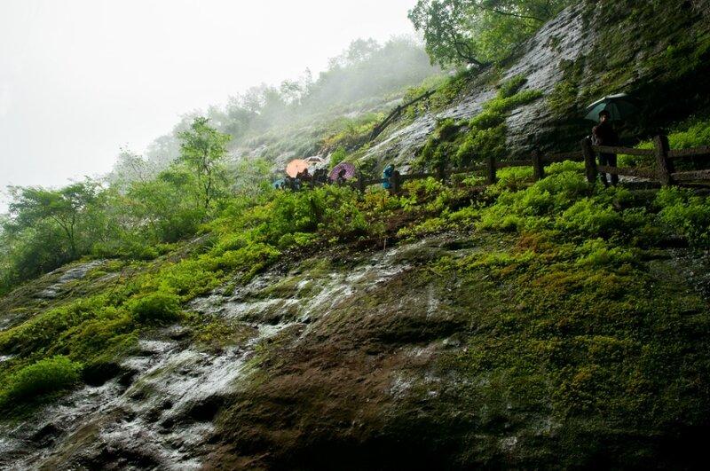 Под каплями водопадов