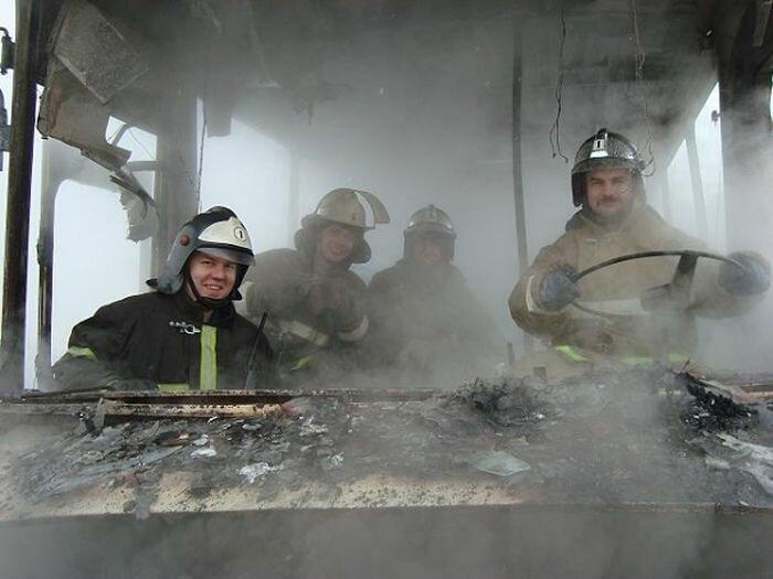 Пожарные не без чувства юмора