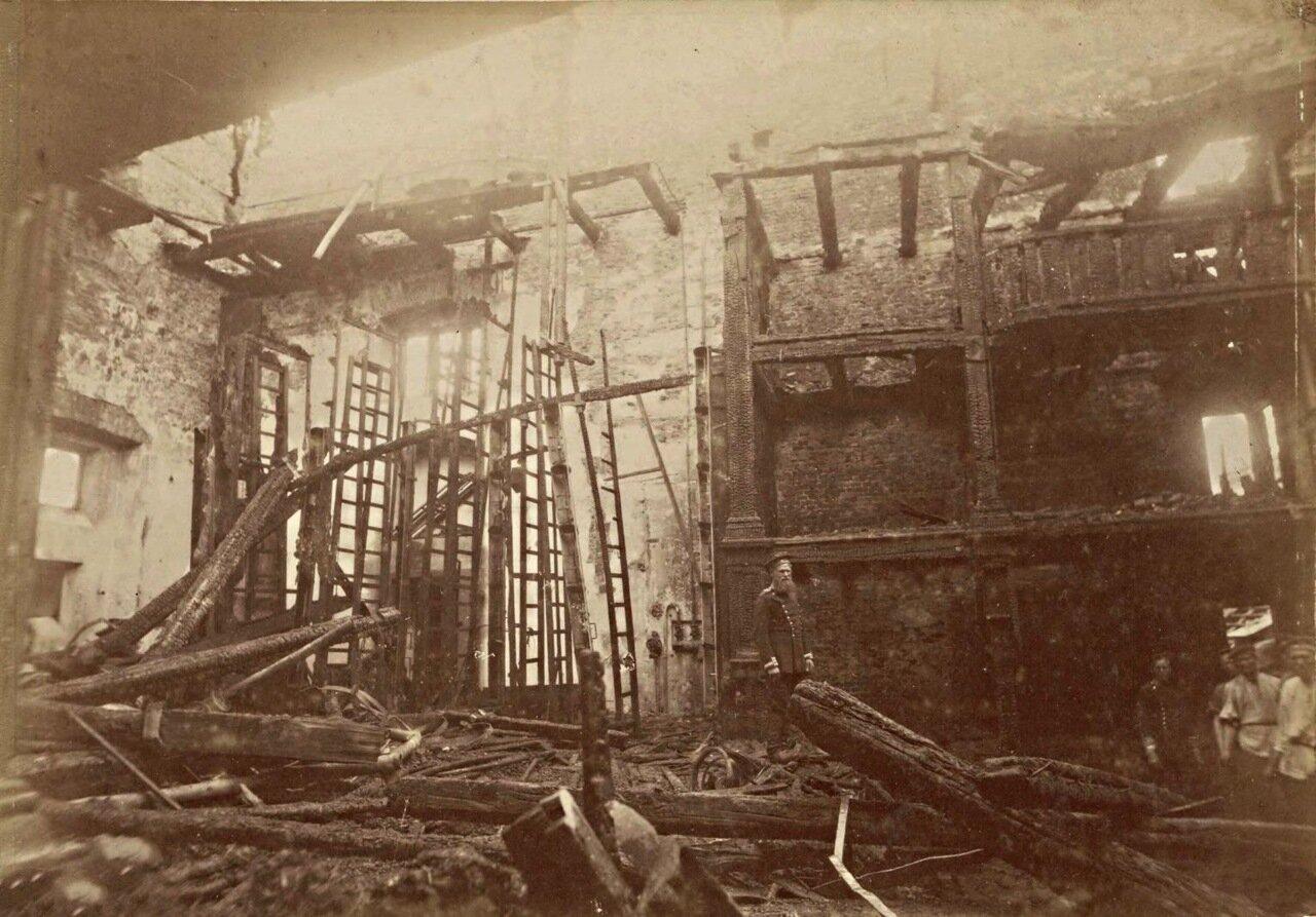Здание театра после пожара в 1883