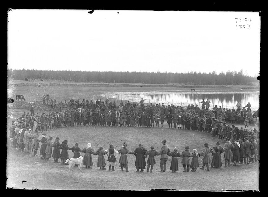 Танцы на якутском празднике, 1902