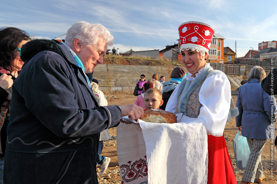 встреча речных туристов теплохода Василий Чапаев в Вятских Полянах