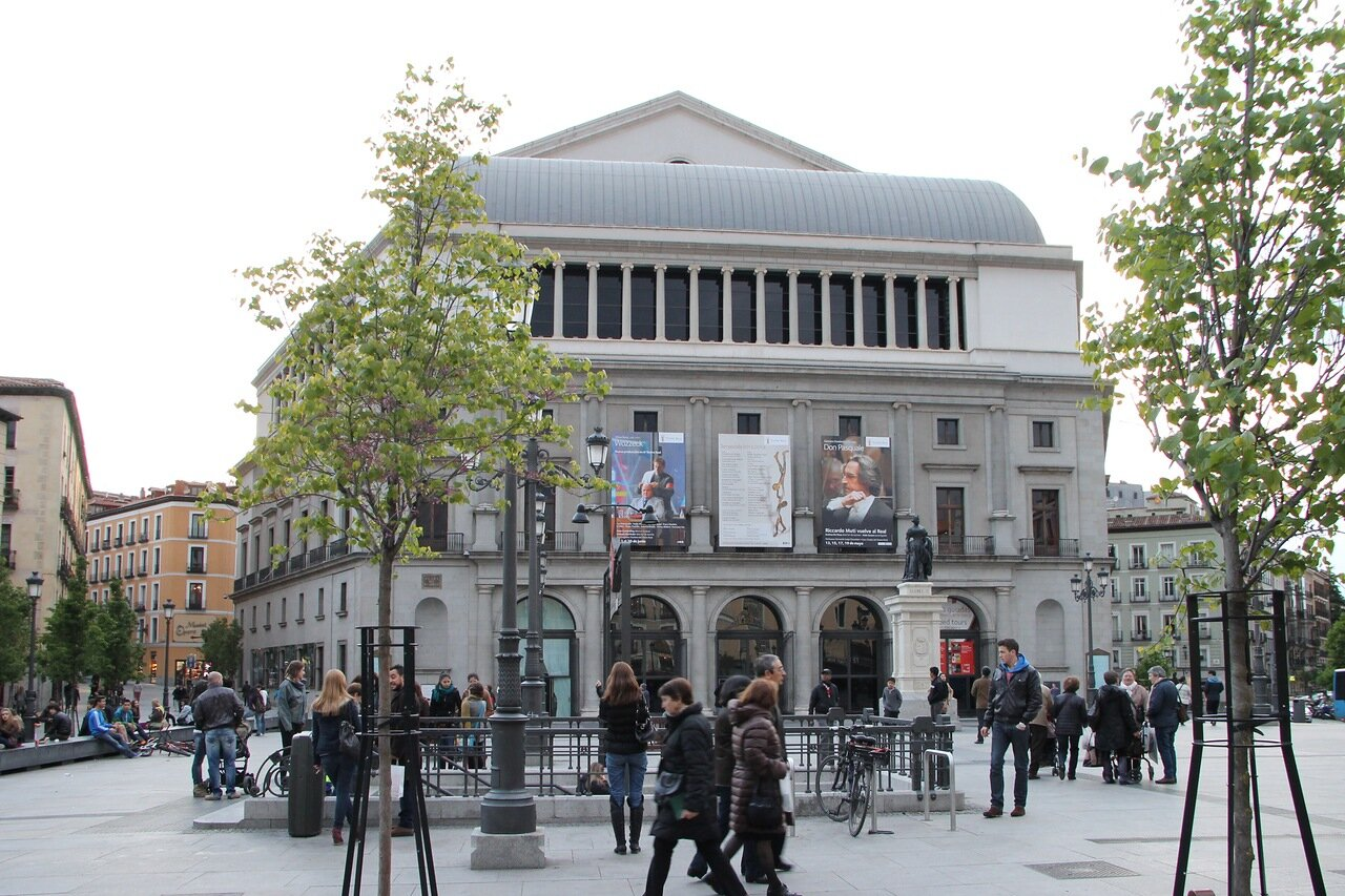 Madrid. Plaza de Isabel II and Teatro Real)
