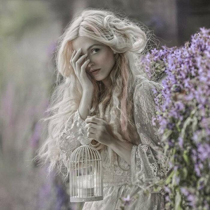 Модель: Элли Би. Фото: A.M.Lorek Photography.