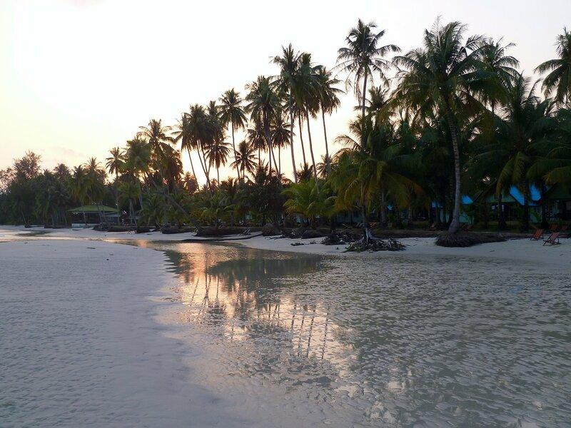 Закат на острове Куд (Ко Куд), Таиланд. (Sunset on the island of Kood (Koh Kood), Thailand)