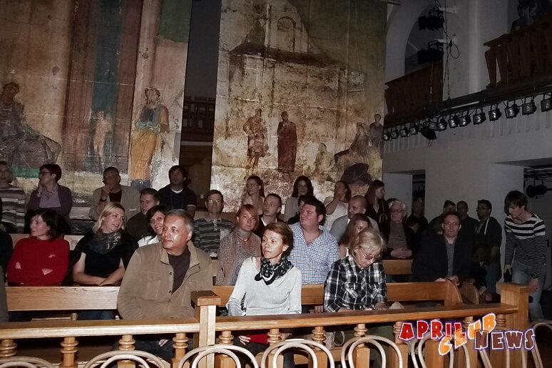 http://www.aprilclubnews.com/content/index.php/lifestyle/theatre/2838-teatr-shkola-dramaticheskogo-iskusstva-predstavlyaet-sezon-2013-2014-gg