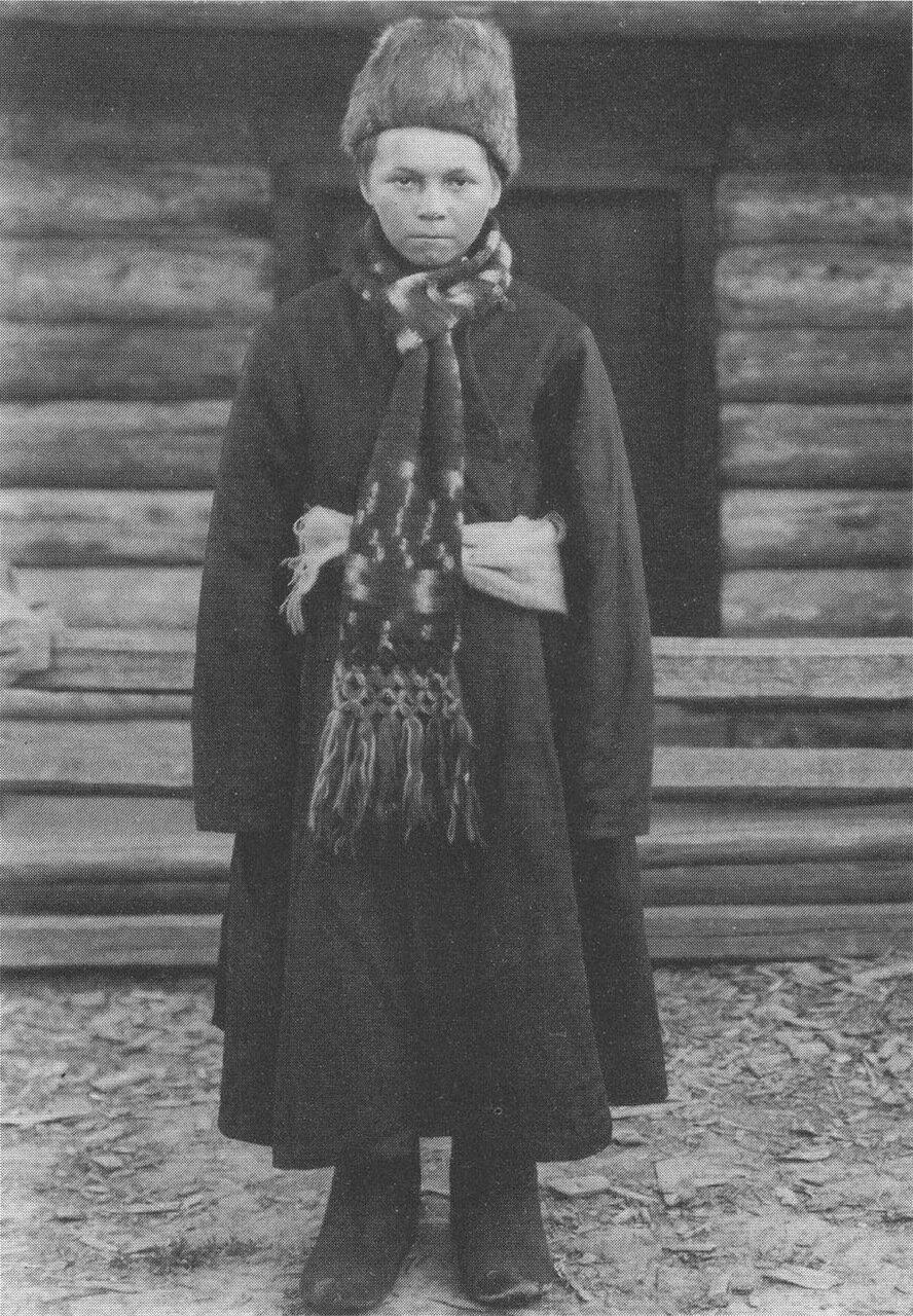 Паренек в верхней одежде. Вологодская губ. 1911г.