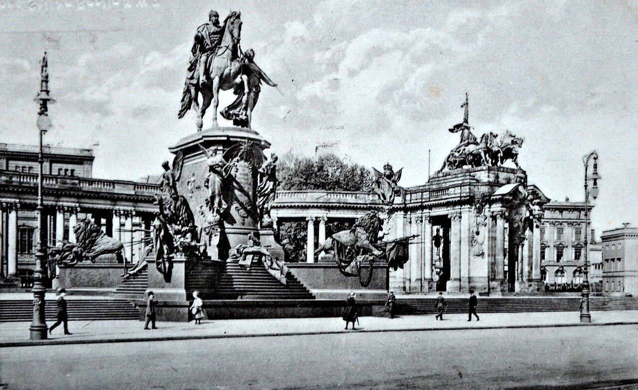 Берлин. Памятник кайзеру Вильгельму I.1933