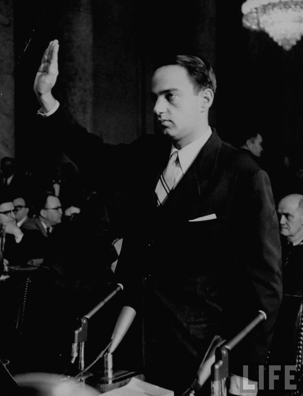 1954. апрель. Адвокат Рой М. Кон на слушаниях подкомитета по делу о проникновении коммунистов в армию