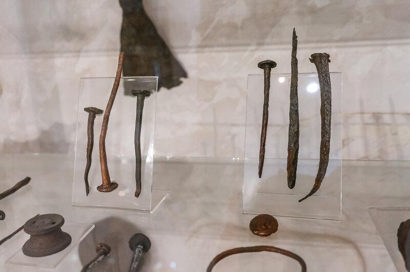 Античные гвозди