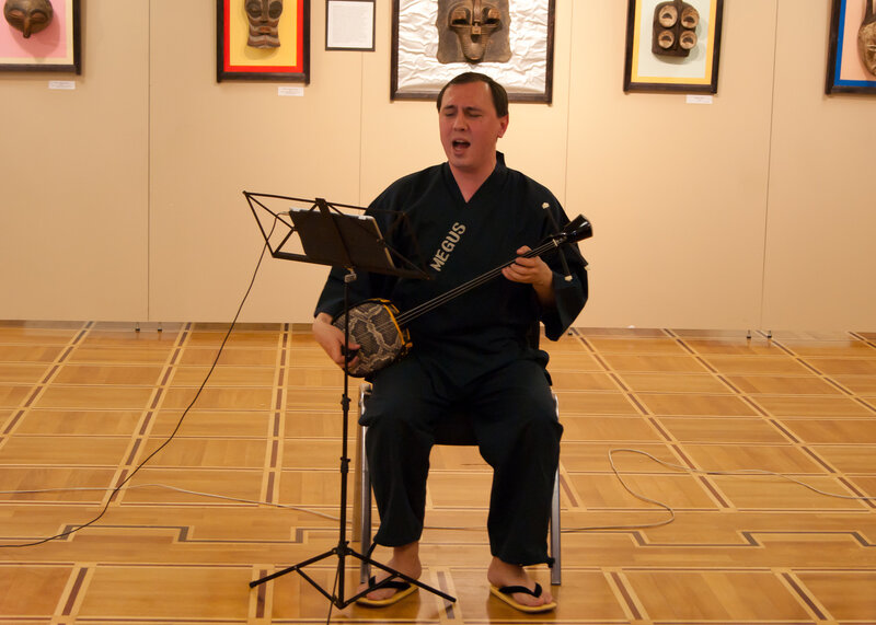Японские мелодии на сансине
