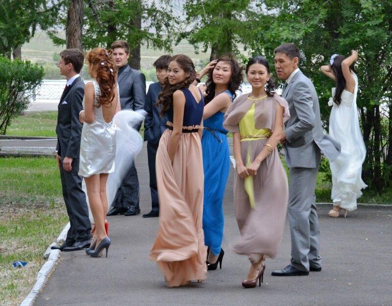 Подросток на выпускном ебет училку