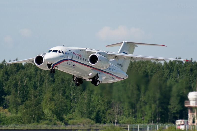 Антонов Ан-148-100Б (RA-61703) Россия D800829