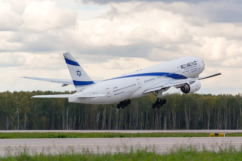 Boeing 777-258/ER (4X-ECF) El Al D802904