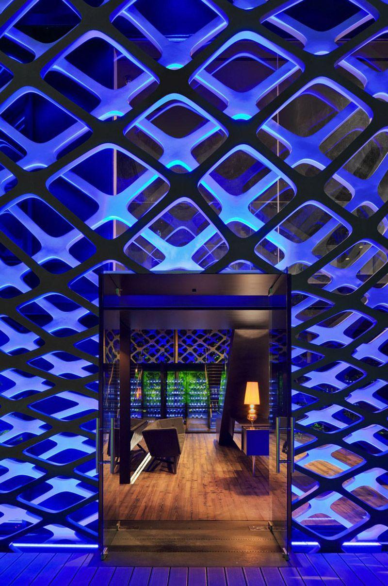 Этот проект стал прекрасным поводом для архитекторов и дизайнеров освоить цифровой дизайн в стр