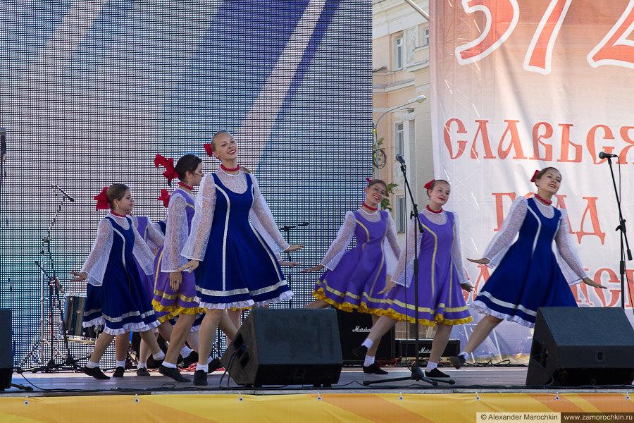 Выступление танцевальных коллективов на Дне города, Саранск-2013