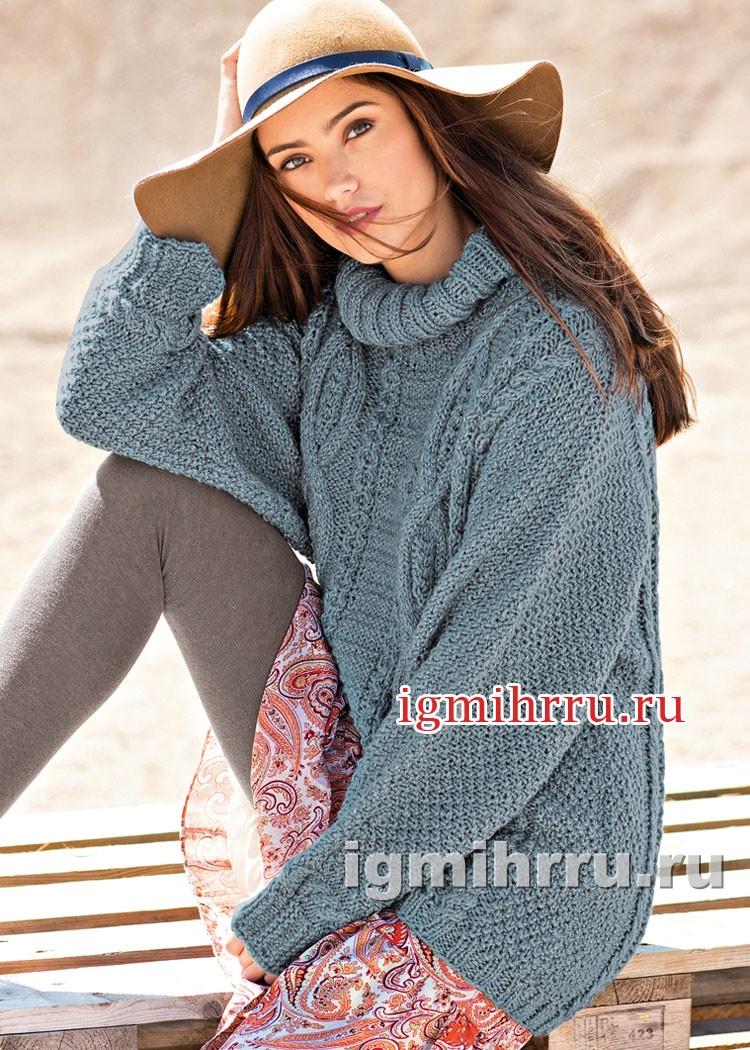 Серо-голубой свитер с миксом узоров. Вязание спицами