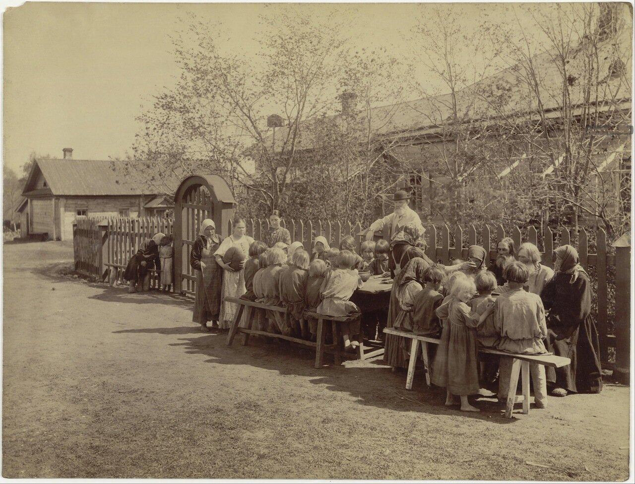 Народная столовая в селе Черновском Сергачского уезда.